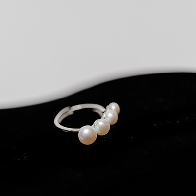 Fresh Water Pearl ring on Silver