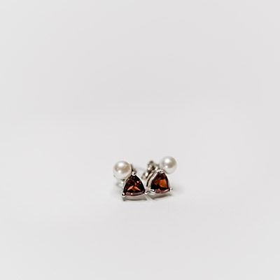 Pearl & Garnet stud Earrings